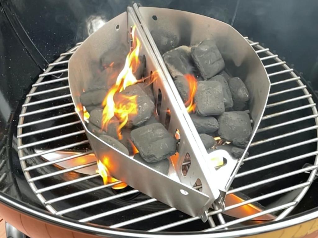 Weber Master-touch 57 BBQ Grill Firestarter  V section